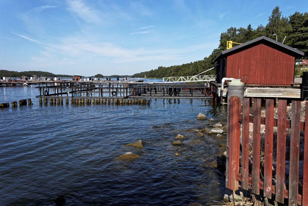 Cabanes de pêcheur dans l'archipel de Turku finlande