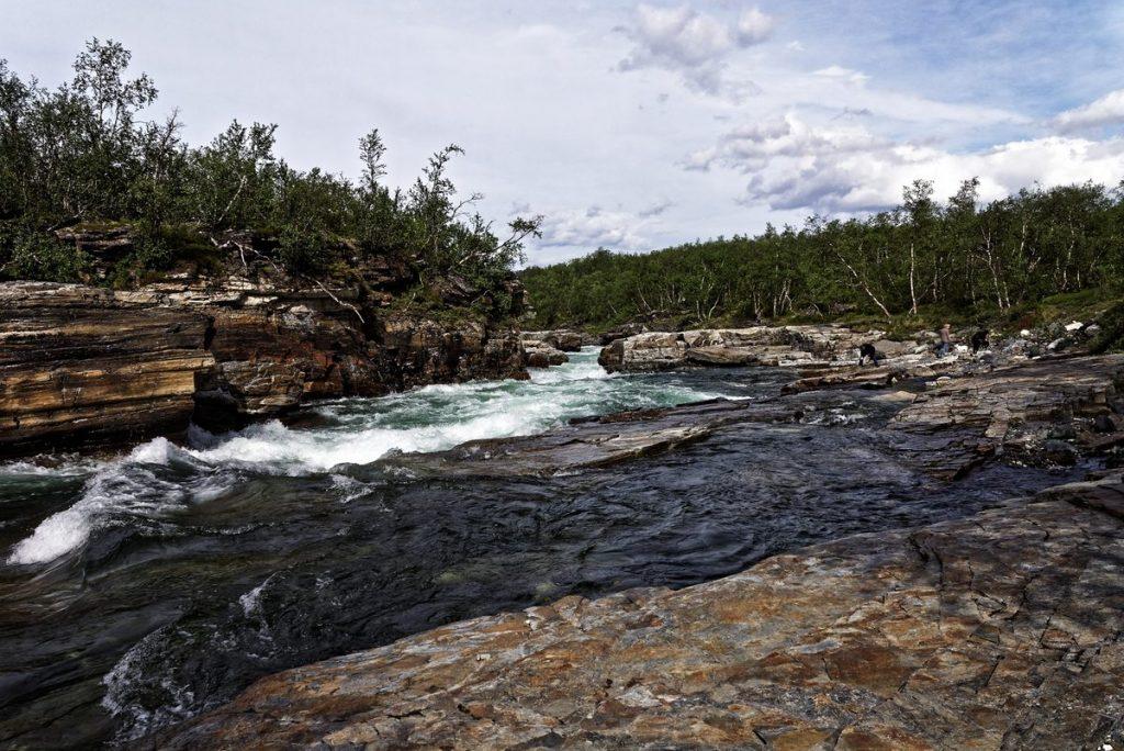 Les rapides du canyon d'Abisko suède