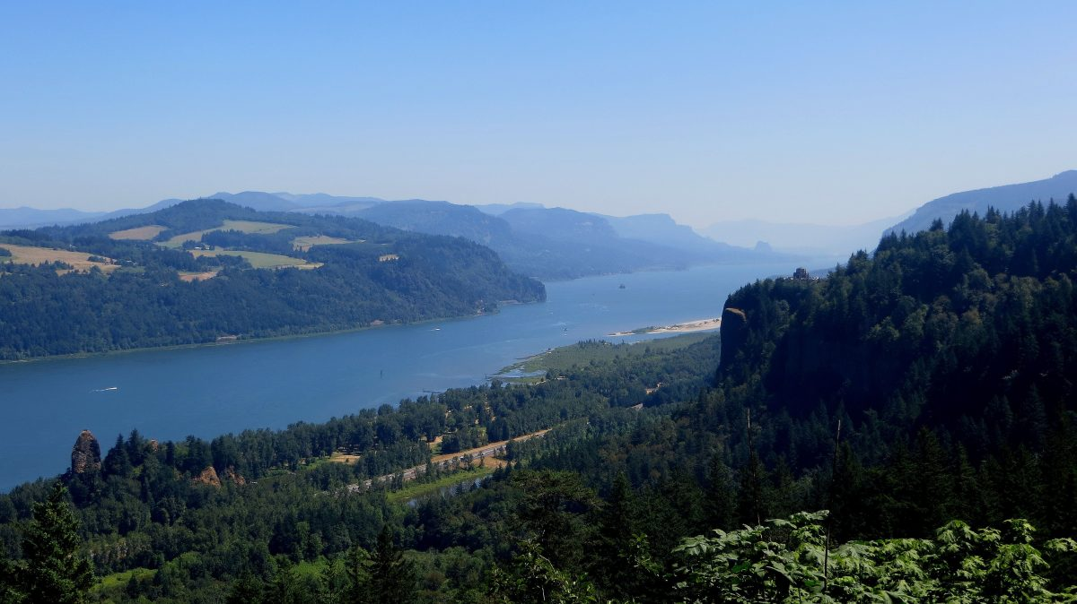 Vue panoramique de la Columbia River dans le Washington