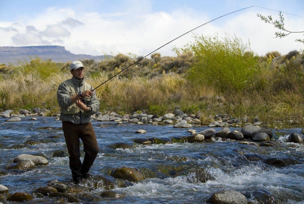 Pêche sur le rio los Antiguos en Patagonie argentine