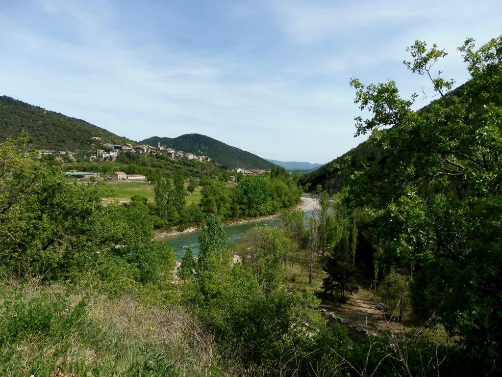 Village de Boltaña (Aragon) et rio Ara