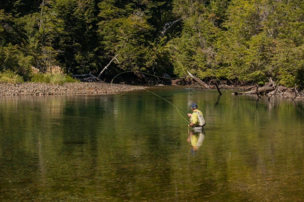 Pêche sur le rio Espejo Chico en Patagonie argentine