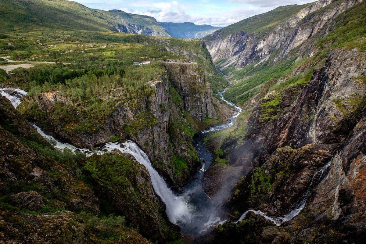 Paysage sauvage de pêche en Norvège