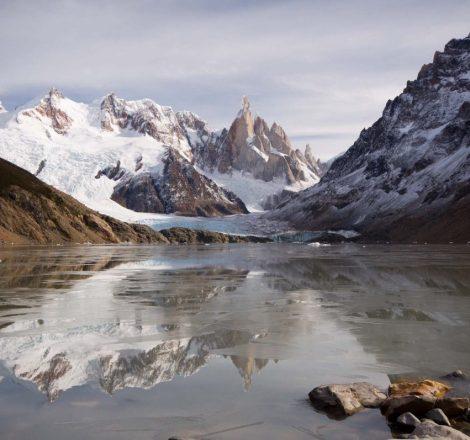 lac dans la région d'El Chaltén