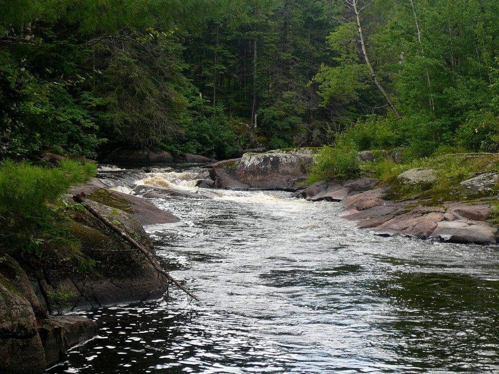 la rivière Ouiatchouaniche