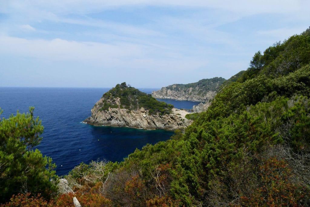 falaise et mer à Porquerolles