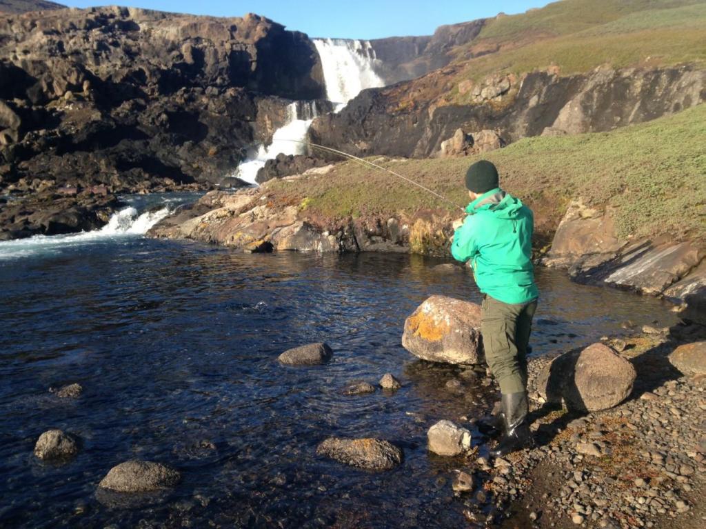 pêcheur à la ligne sur les îles Kerguelen