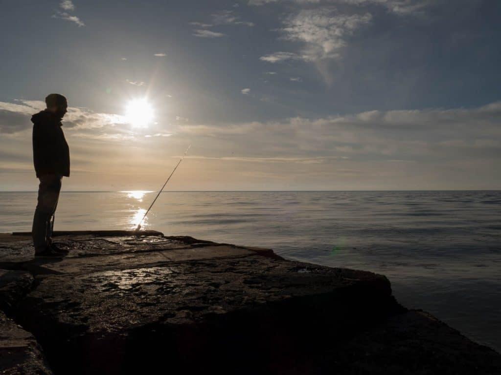 pêcheur au Grau d'Agde