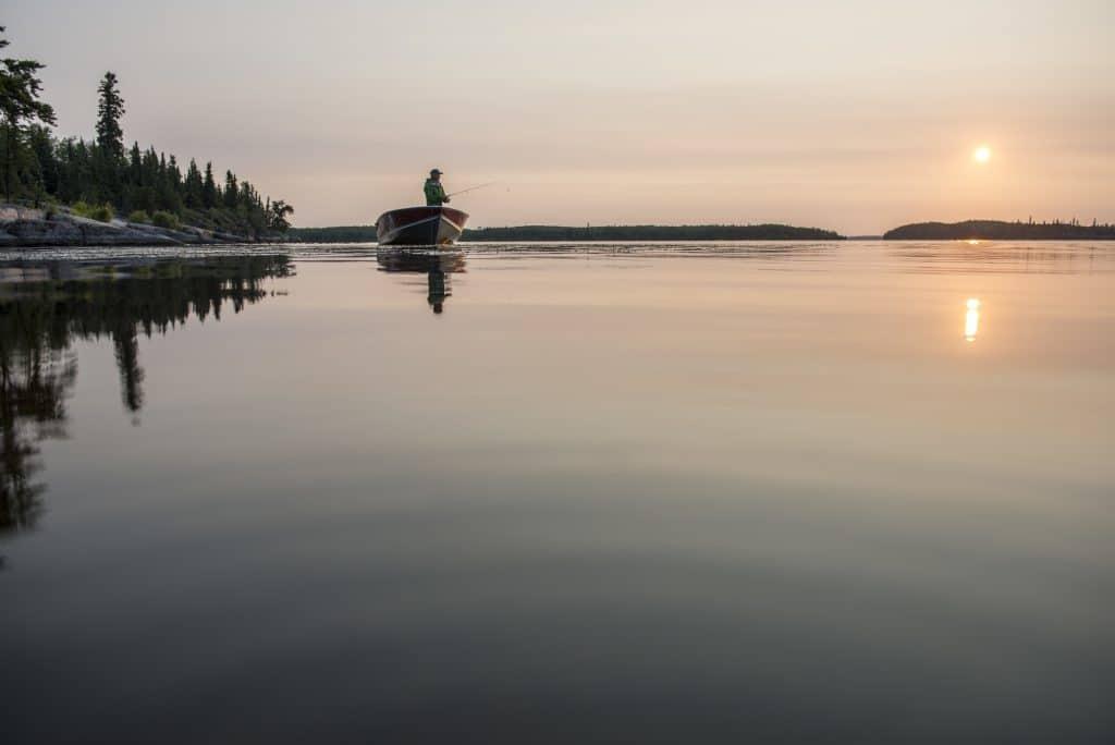 Pêche dans le Manitoba (Shining Falls Lodge)