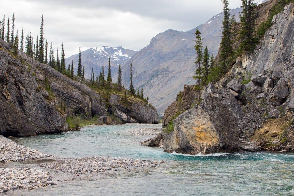 Pêche au Canada dans les Territoires du Nord-Ouest (Naats'ihch'oh National Park Reserve)