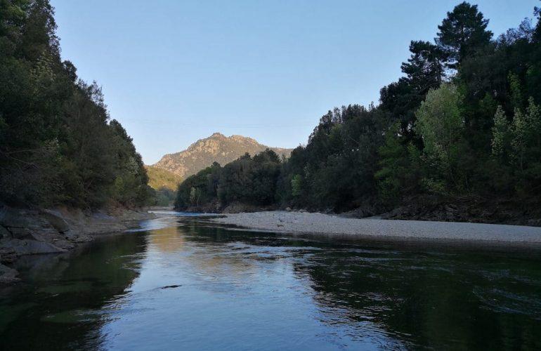 Pêche en Corse sur le Fiumorbo, juste en aval du hameau de Sampolo