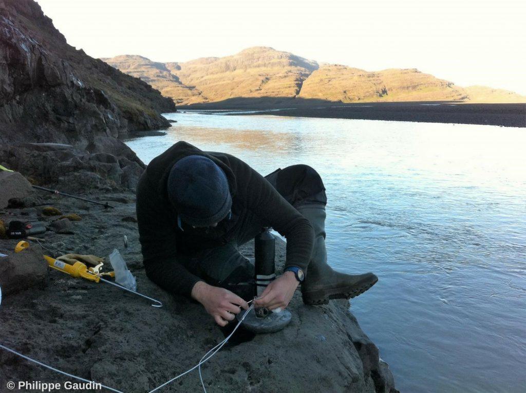 Pose des récepteurs sur les îles Kerguelen