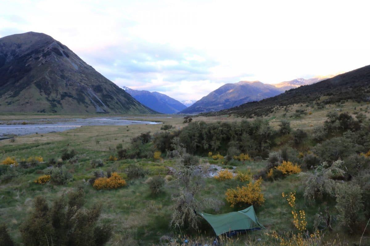 Campement de pêche en Nouvelle-Zélande sur les îles du sud