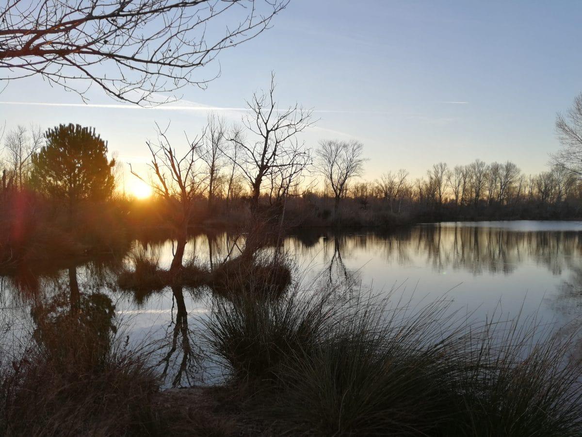 Lever de soleil sur le lac de Coste Rouge