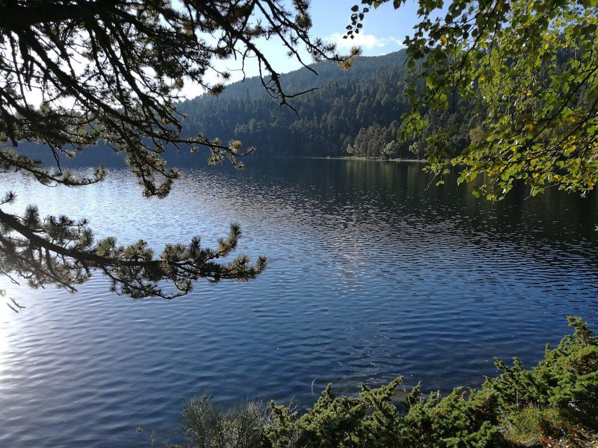 Pêche sur l'étang de Quérigut, en Ariège
