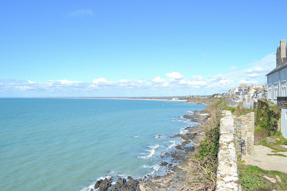Le littoral vers Granville dans la Manche